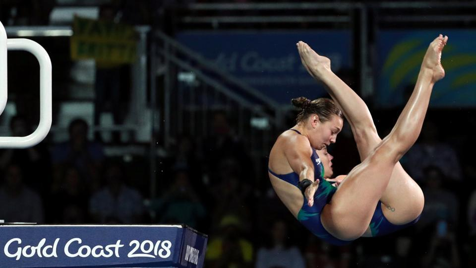 Australia's Annarose Keating and Brittany O'Brien compete in the women's synchronized diving 10m platform final at Optus Aquatic Centre on April 11, 2018. (Athit Perawongmetha / REUTERS)