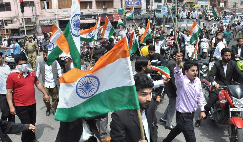 The Jammu Bar Association wants the CBI to probe the Kathua case.