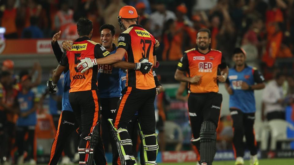 Sunrisers Hyderabad celebrate their win against Mumbai Indians at the Rajiv Gandhi International Cricket Stadium in Hyderabad. (IPL)