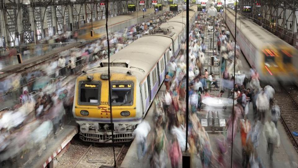 Mumbai railway yards,Central Railway,Ahmedabad-Puri Express