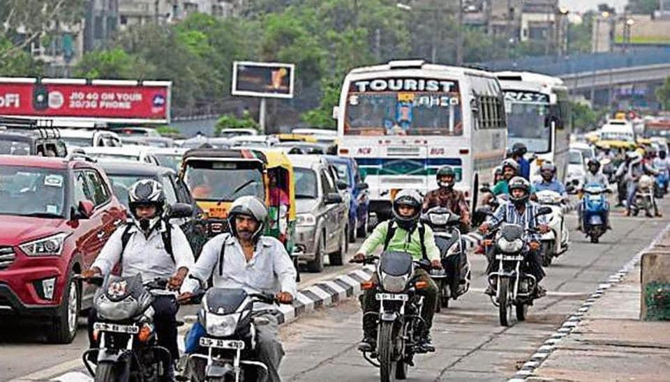 Delhi,Delhi two wheelers,Delhi traffic