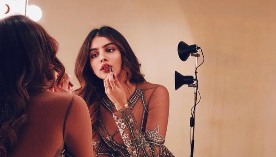 Even cousin Sonam Kapoor couldn't help but swoon at Khushi Kapoor's look.