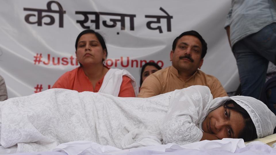 Image result for 10 दिन की भूख हड़ताल के बाद स्वाति मालीवाल ने तोड़ा अनशन