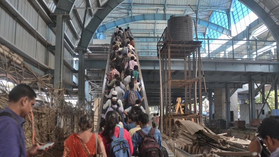 Mumbai,railway stations,elevated decks