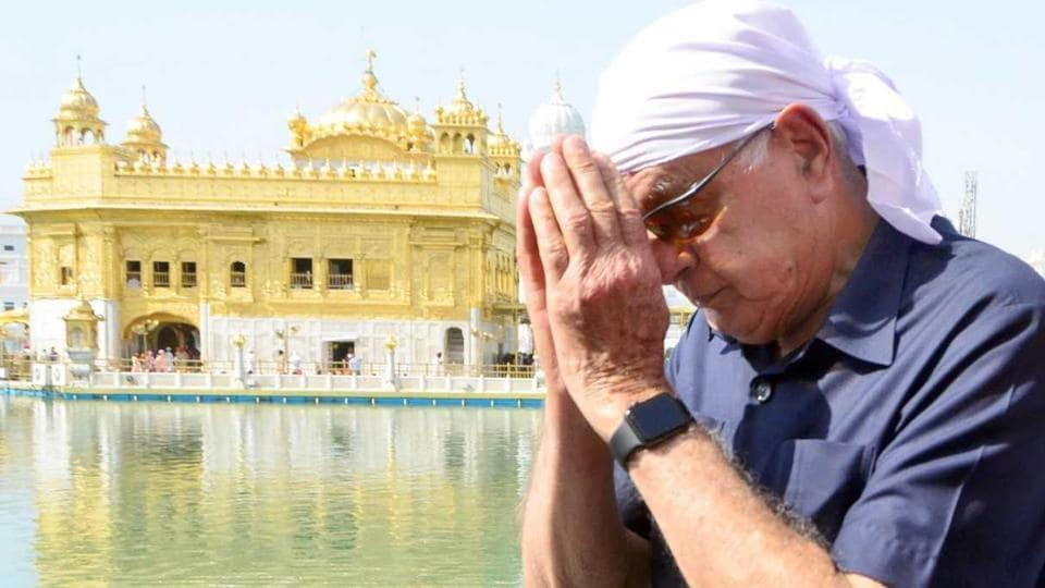 Former chief minister of Jammu & Kashmir Farooq Abdullah pays obeisance at the Golden Temple in Amritsar on Wednesday.