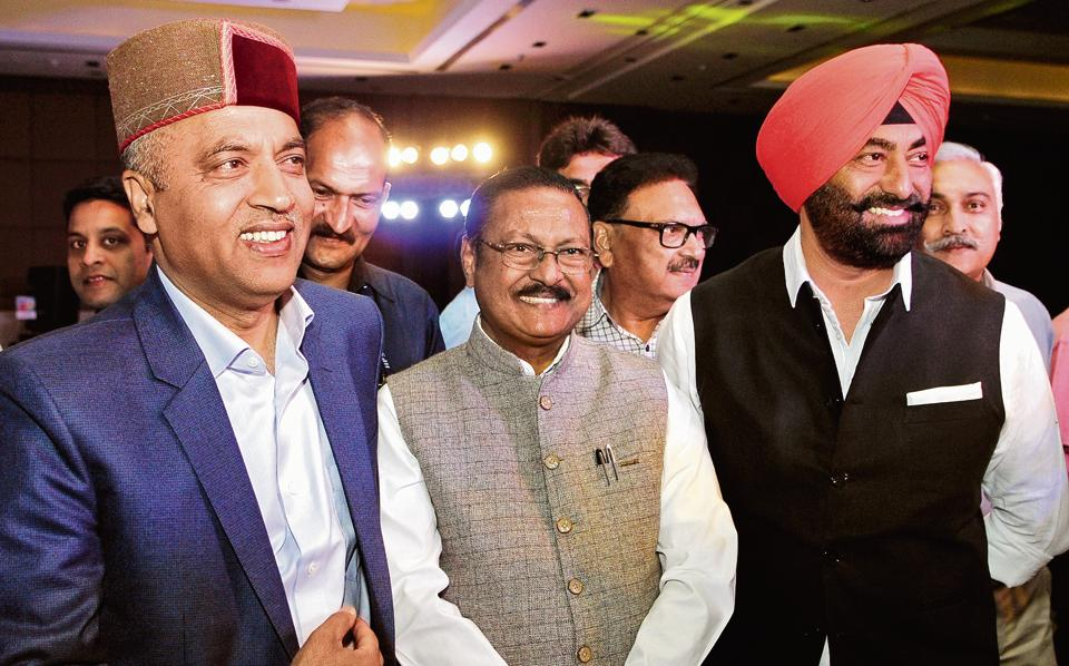 (left to right) Himachal Pradesh CM Jai Ram Thakur, additional solicitor general of India Satya Pal Jain, veteran journalist Vipin Pubby and Aam Aadmi Party leader Sukhpal Singh Khaira during the function.  (HT Photo)