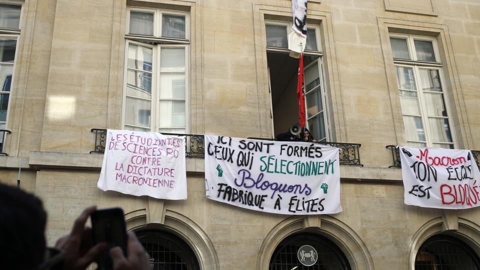 Students' protests,train strikes,Emmanuel Macron