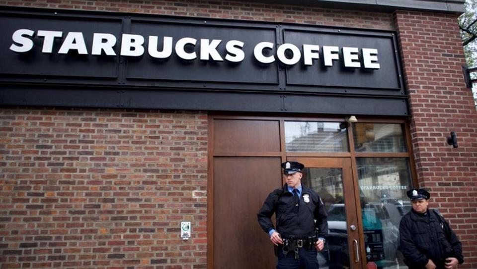 Starbucks,Starbucks racial tolerance,Starbucks black men arrested