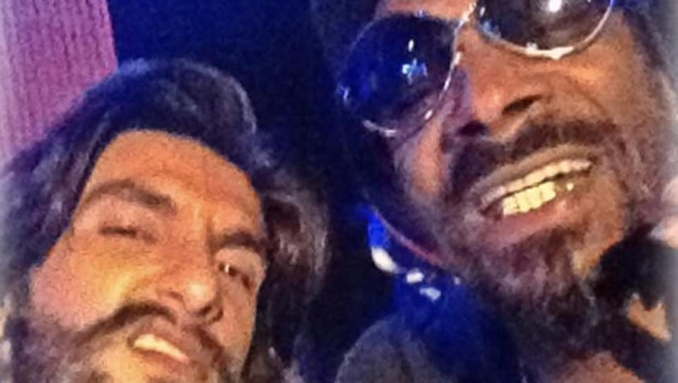 Snoop Dogg performed the title track for Akshay Kumar's Singh is Kinng.