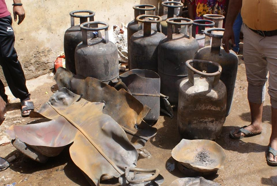 Rajasthan news,Illegal gas godown,Fire after cylinder blast