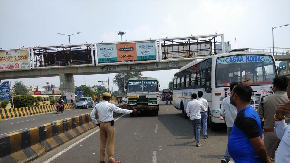 Noida police,Noida traffic police,NH-24 widening