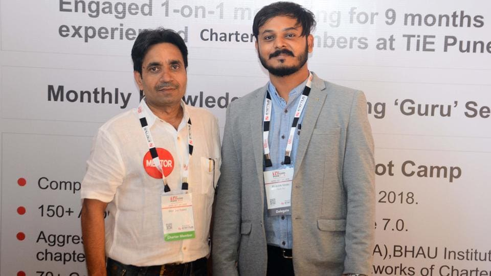 Jitendra Tanna (right) with his mentor Rishab Sitoke  who were a part of nurture program at the TiECon Annual Entrepreneurship Awards function. (SHANKAR NARAYAN/HT PHOTO)