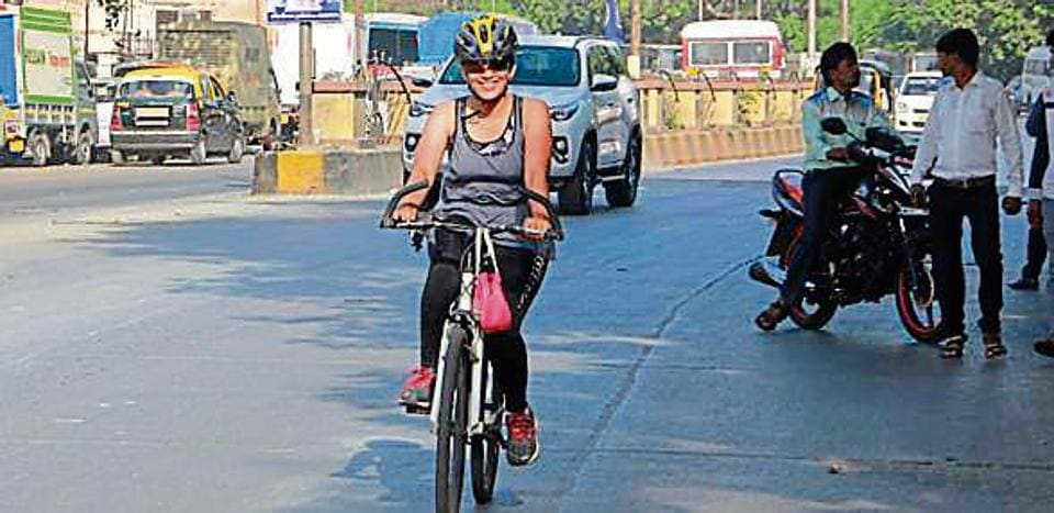 Actress Sonali Kulkarni also extended her support to cycling and reiterated the need for parking spaces for cycles.
