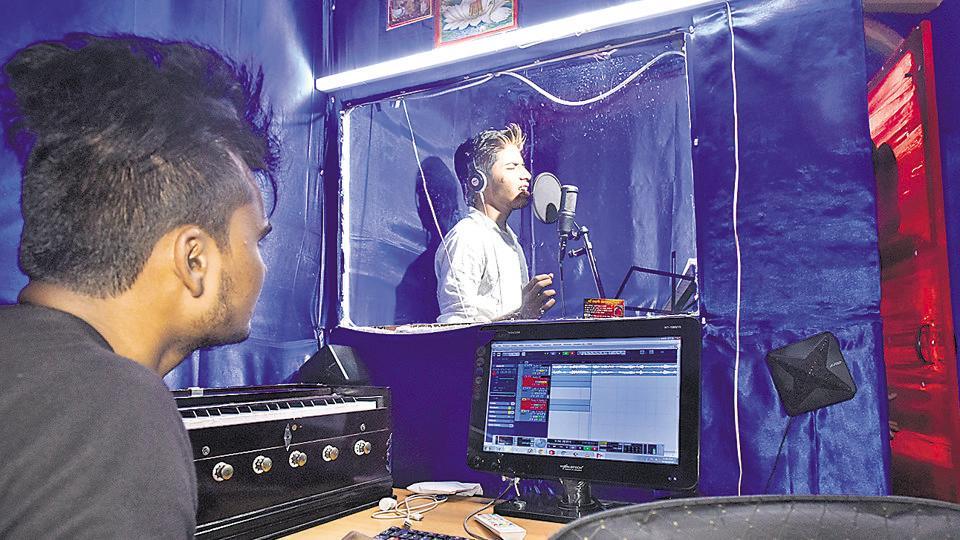 Bhojpuri music,Bhojpuri music in Delhi,Studios