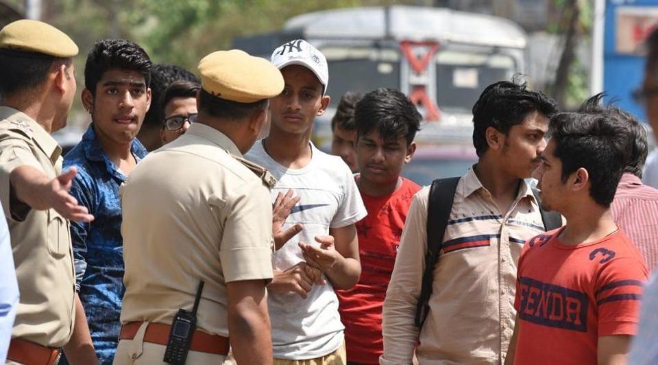 Delhi Police,Bounty on criminals,Reward for information