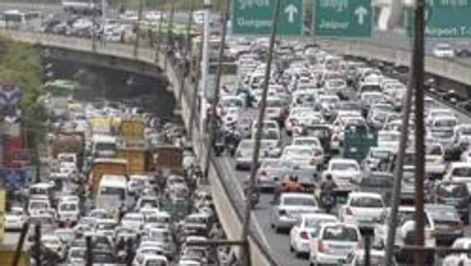Traffic jams roads heading towards Mahipalpur and Dhaula Kuan which lead to the airport.