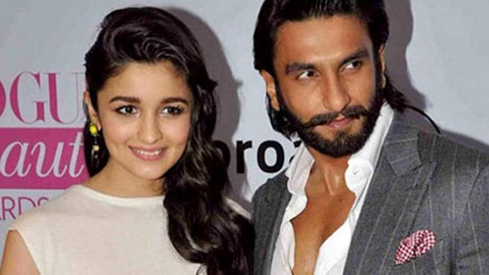 Ranveer Singh Sees Off Alia Bhatt Asks Paparazzi If They Want A