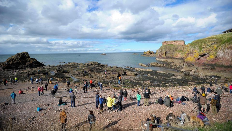 More than 30 participants from America, Spain, Italy and from around Britain converged on Dunbar, near Edinburgh, for only the second European Stone Stacking Championships. Competitors had to create the most complex and gravity-defying artistic sculptures from rocks and pebbles gathered on the town's Eye Cave Beach. (Andy Buchanan / AFP)