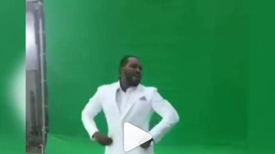 Chris Gayle grooves to Sunny Leone's song Laila Main Laila from Raees.