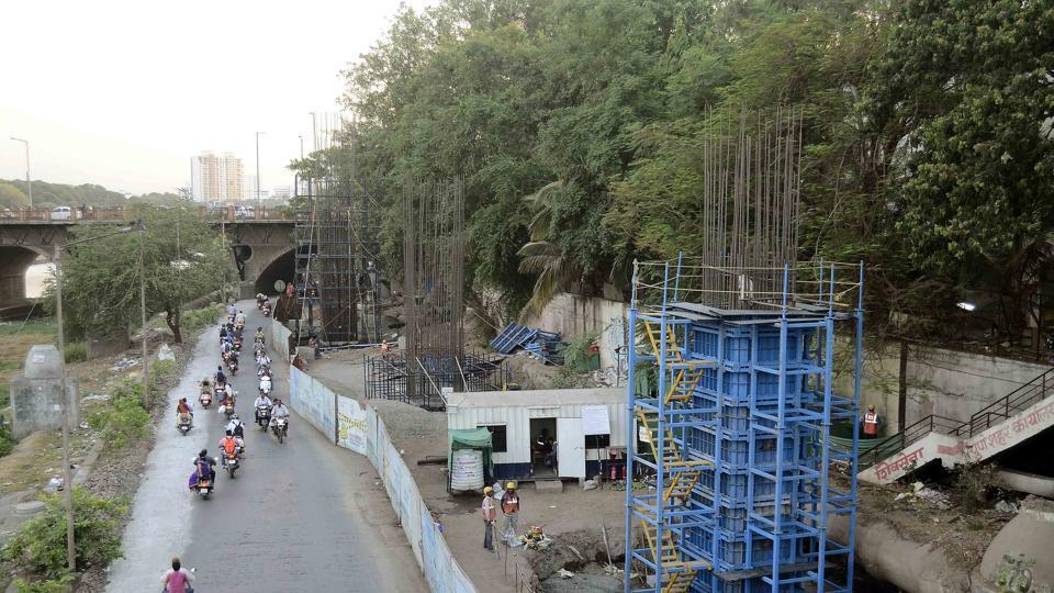 Pune,Tree authority,misses deadlines