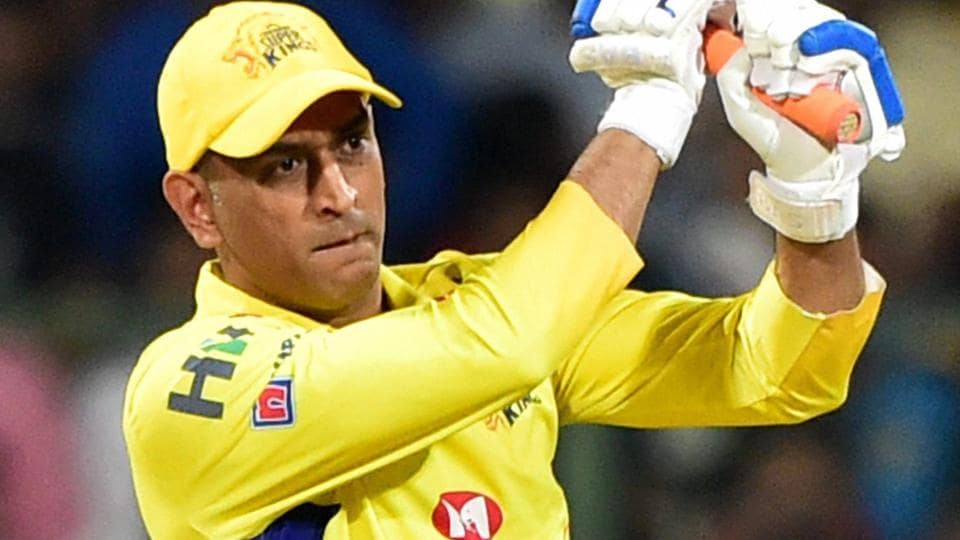 MS Dhoni in action for Chennai Super Kings against Royal Challengers Bangalore  on Wednesday. Get live cricket score of Royal Challengers Bangalore (RCB) vs (CSK) Chennai Super Kings at the M Chinnaswamy stadium here.