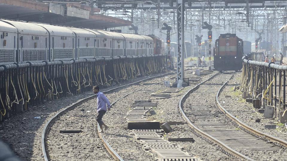 Pune,Lonavla,railway