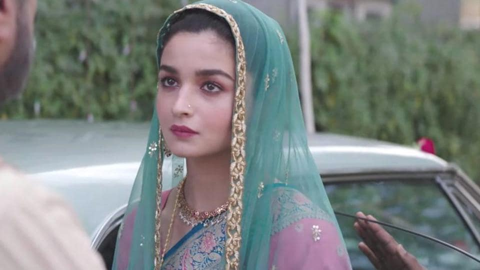 Brides-to-be, pay attention to all the details of Alia Bhatt's wedding look from Raazi because it is never to early to start planning.