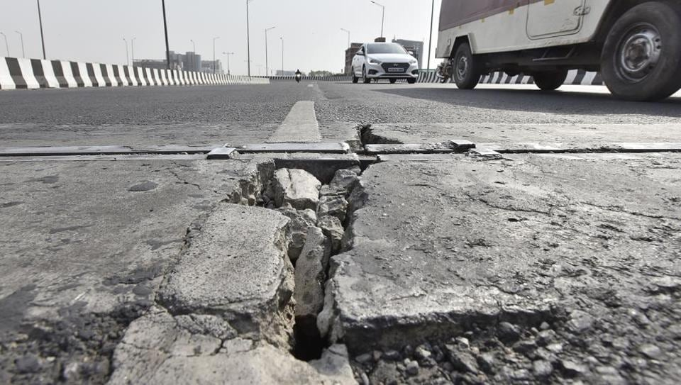 Cracks have developed on two elevated U-turns and an elevated road at busy Iffco chowk, in Gurugram.
