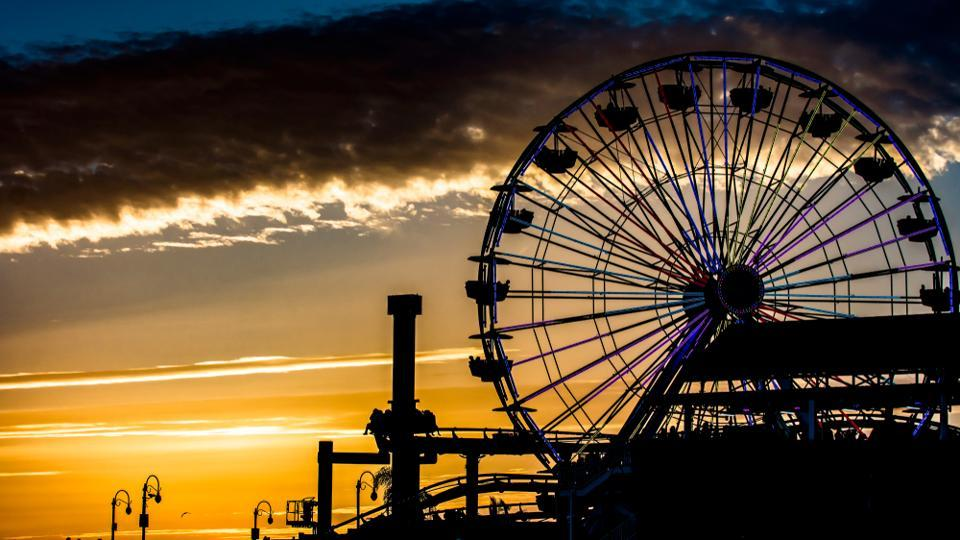 Book your flight tickets to Santa Monica for your summer vacation this year.