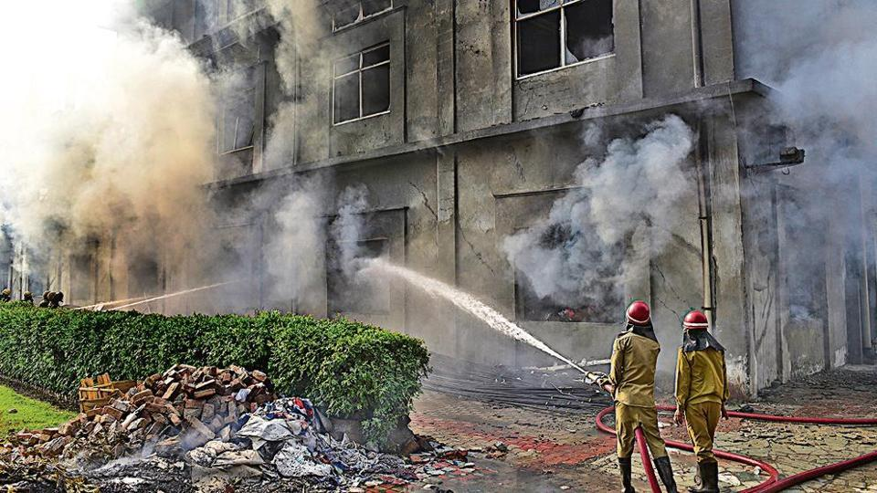 Goods worth crores gutted,fire,Ludhiana hosiery factory