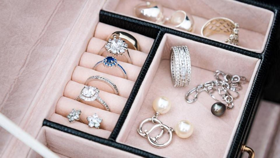 Do not keep two different type of jewellery in one box.