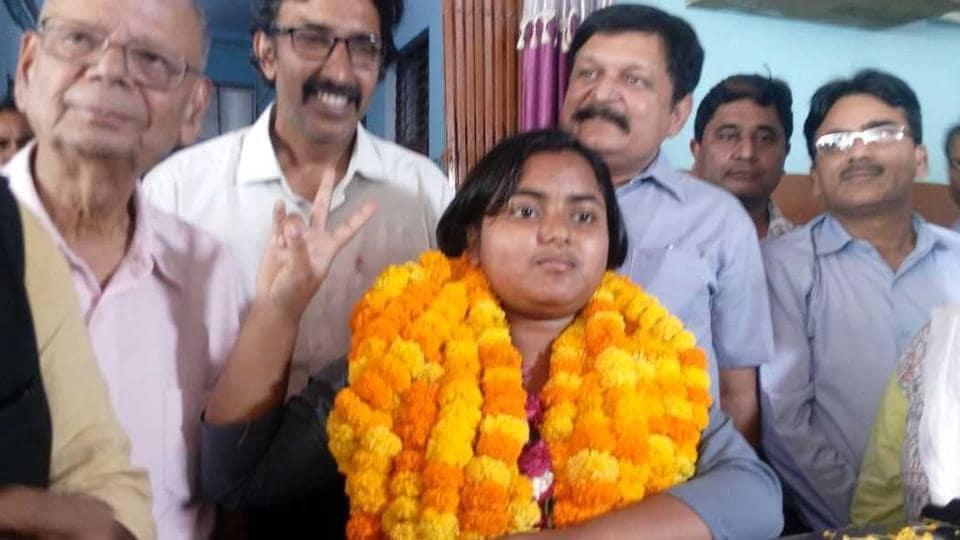 Anjali Varma of Brij Behari Sahai Intercollege in Allahabad was the topper in Class 10 with 96.35 percentage.