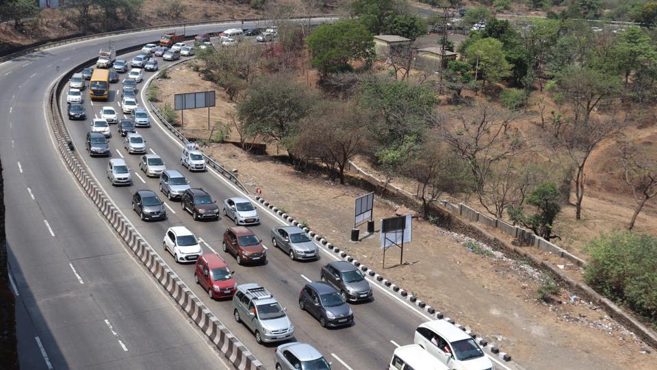 Mumbai,traffic jam on Mumbai-Pune Expressway,Long weekend