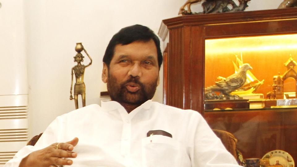 Centre To Issue Ordinance To Uphold Sc St Rights Says Ram Vilas Paswan India News Hindustan Times