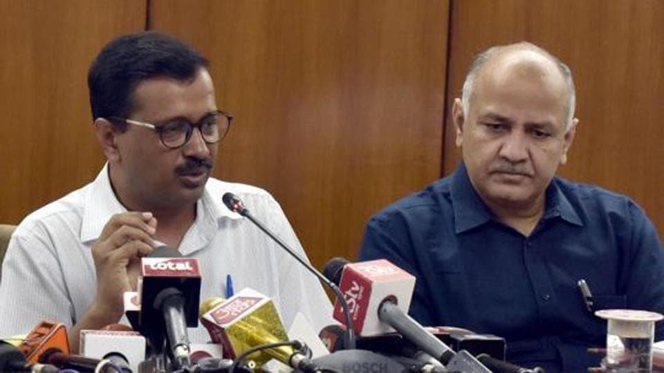 Delhi chief minister Arvind Kejriwal with deputy CM Manish Sisodia. In his budget speech on March 22, Sisodia had said the Wi-Fi project, which was earlier with the information and technology department, was being given to the PWD to expedite the work.