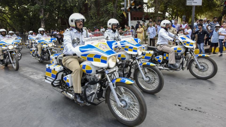 The Mumbai traffic police participated in the parade. (KUNAL PATIL/HT PHOTO)