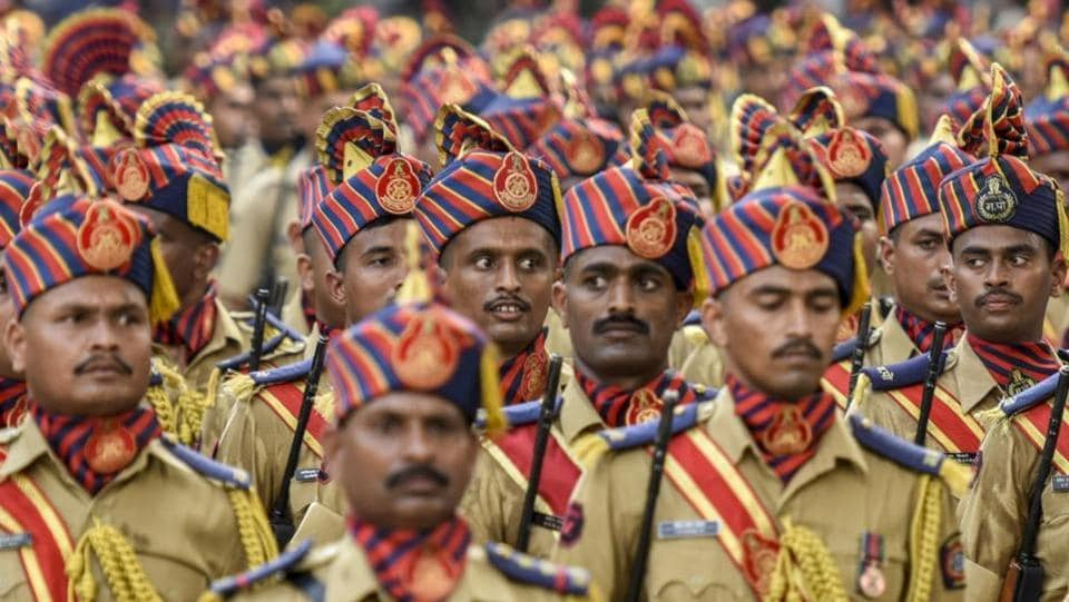 The State Reserve Police Force, Mumbai police, Home Guards, and civic and fire brigade personnel all participated in the annual ceremonial parade. (KUNAL PATIL/HT PHOTO)
