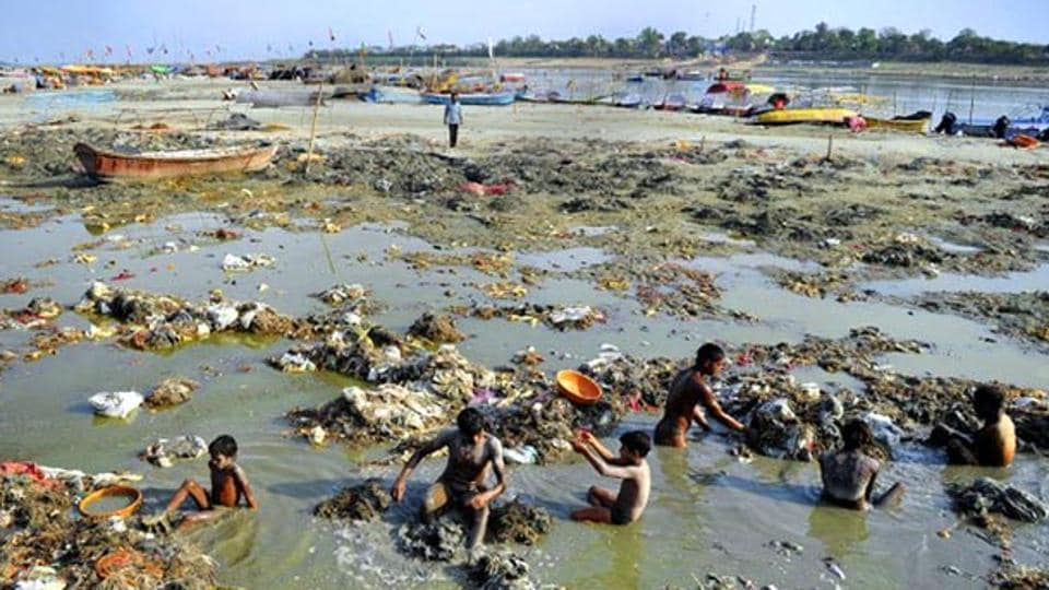 Ten cities discharge 2,953 MLD of sewage daily into the Ganga.