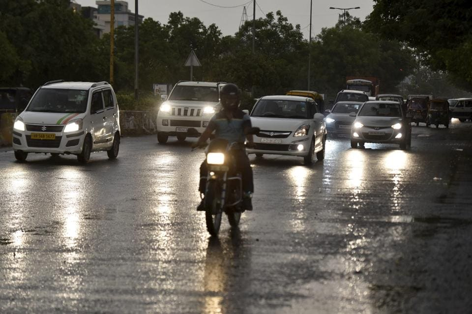 The national Capital witnessed thunderstorms and light showers on Sunday.