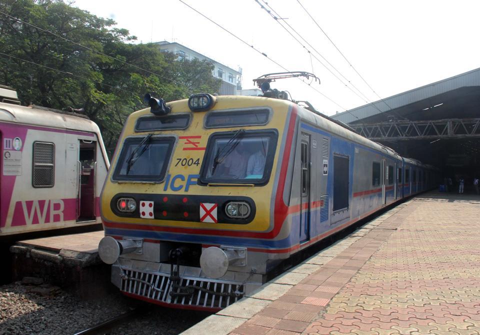 Mumbai locals,Mumbai train status,Mumbai monsoon