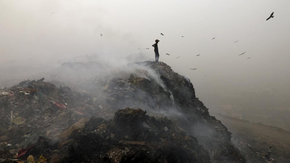 The Indian capital has once again been found to be the world's most polluted city and Mumbai is fourth, according to air quality data compiled by the World Health Organisation (WHO) for megacities with a population of 14 million or more. Greater Cairo in Egypt is the second most polluted city, followed by Dhaka. Beijing ranks fifth. (Sanchit Khanna / HT Photo)