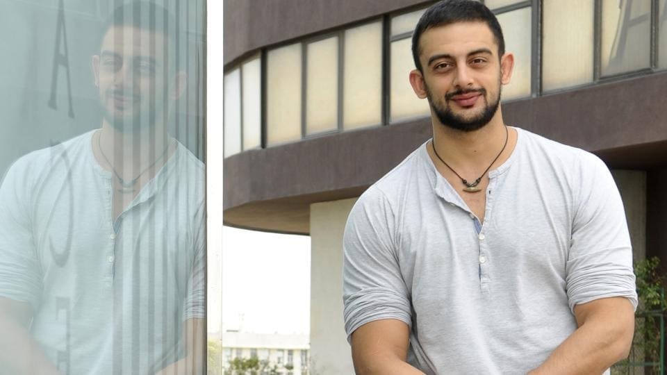 Apart from Bollywood, actor Arunoday Singh is also active in theatre.