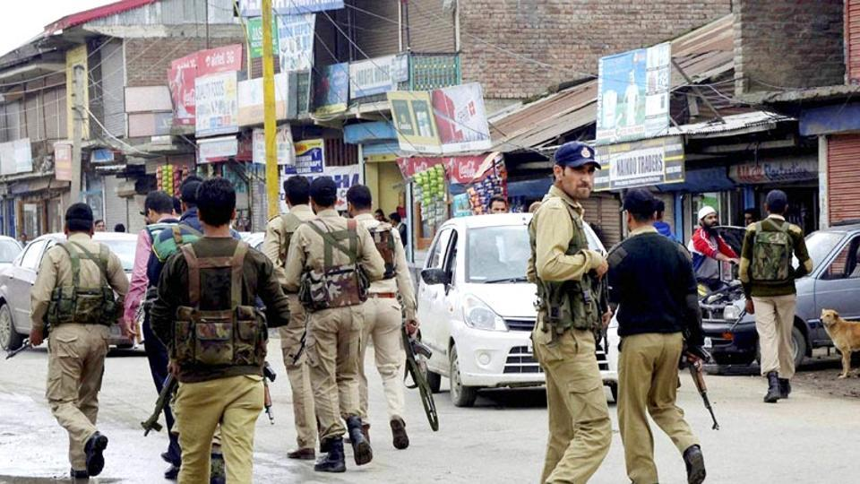 Millitants attack wife after killing husband in Jammu and Kashmir