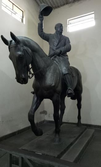 H Butler's life size statue at the gallery.