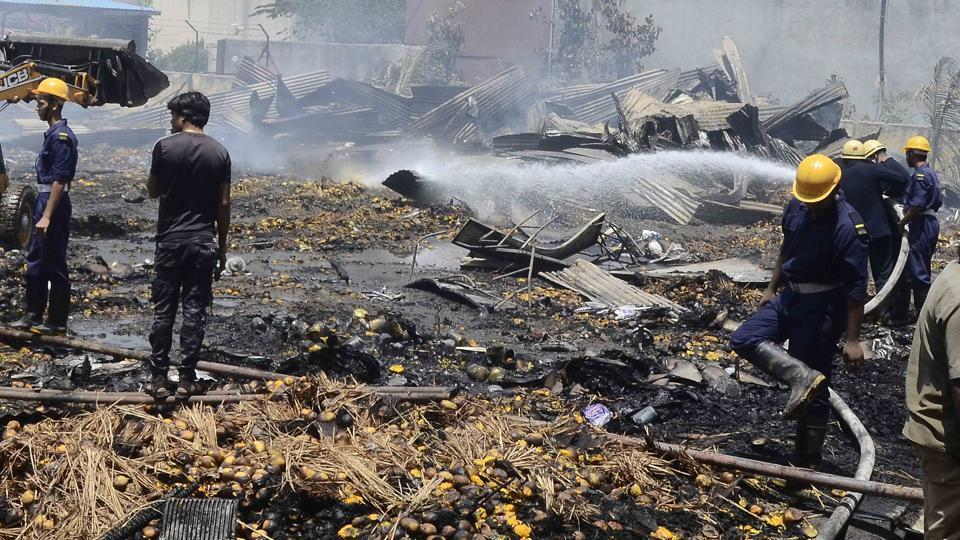 Major fire at mango festival organised by Krishi Panan Mandal, government of Maharashtra at Market Yard. Around 75 farmers from Konkan had a stall at the festival.