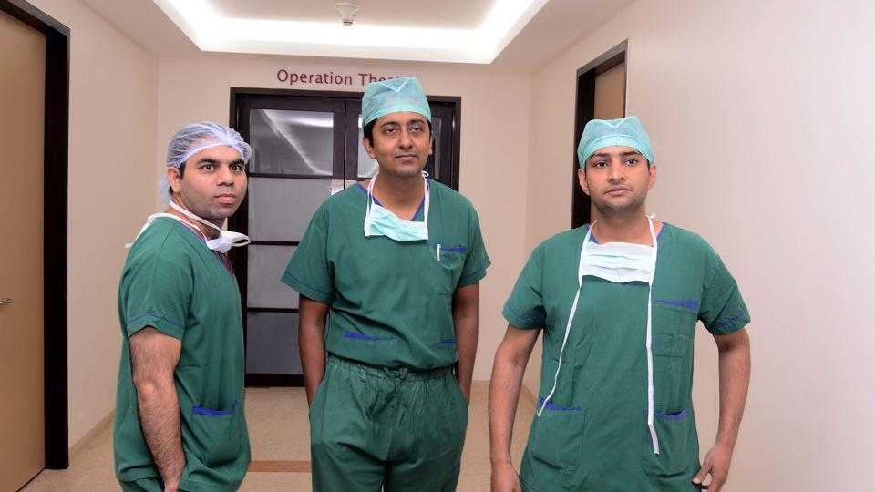 "Dr Sushil Dube, Dr Somnath Chatopaddhyay and Dr Gaurav Choubal at the Jupiter Hospital in Pune. ""The patient was suffering from hepatic artery thrombosis (blockage of blood vessels), and hence, needed an urgent liver transplant to save his life. His health was deteriorating and because of which, the transplant committee took the decision to push the case as a priority. The patient's waiting number was six on the list of people waiting to receive transplants,"" said Dr Sunil Rao, chief operating officer (COO), Jupiter Hospital. (Ravindra Joshi/HT PHOTO)"