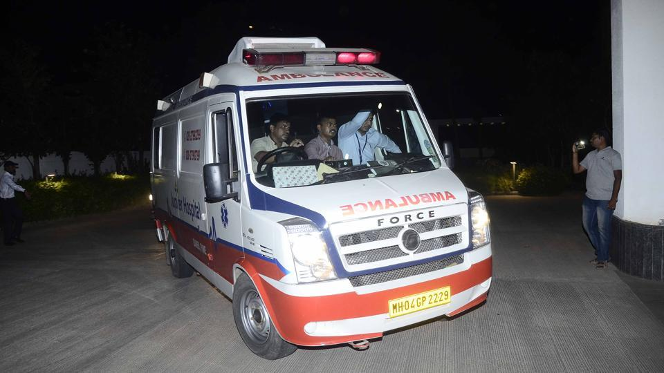 """The ambulance left Kolhapur hospital at 5.02pm after the liver was harvested in Kolhapur at noon and reached Jupiter Hospital at 8.15pm. It took 3 hours and 17 minutes for the ambulance to reach the hospital, whereas this route usually takes six hours,"" said deputy commissioner of police (DCP) Ashok Morale, traffic division, Pune. (Ravindra Joshi/HT PHOTO)"