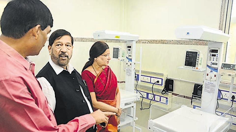 Siddharth Bhende, Pune deputy mayor, Girish Bapat, guardian minister and Mukta Tilak, Pune mayor at the inauguration of N ICU in Rajiv Gandhi Hospital on May 5, 2018.