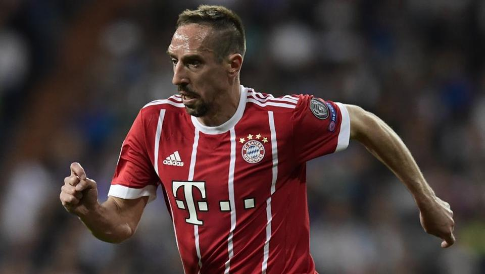 As Bayern Munich announced on Monday, Franck Ribery extended his contract for another year and will play for the club until June 2019.