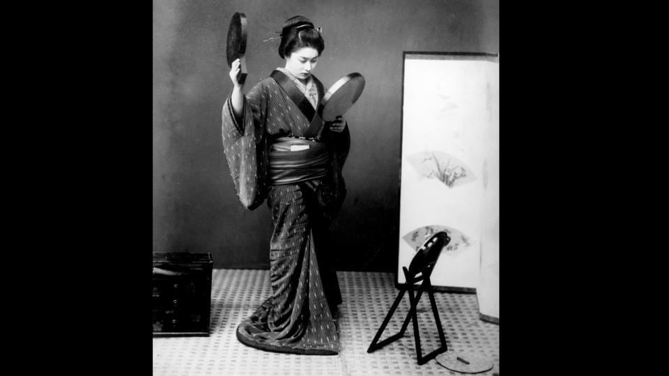 A Japanese woman seen in a kimono in 1940. According to the Ministry of Economy, Trade and Industry, the modern kimono industry peaked in 1975 with a market size of 1.8 trillion yen ($17 billion). But as per a survey conducted by Yano Research Institute by 2008 it had shrunk to 406.5 billion yen and further to just 278.5 billion yen in 2016. (Hulton Archive / Getty Images)